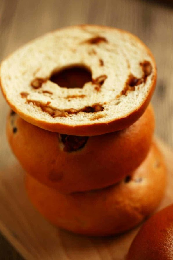 Bread-Cloud-Caramel-Walnuts-Bagels-DI0A9416