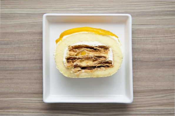 Bread-Cloud-Mango-Mille-Feuille-Roll-Cake-2