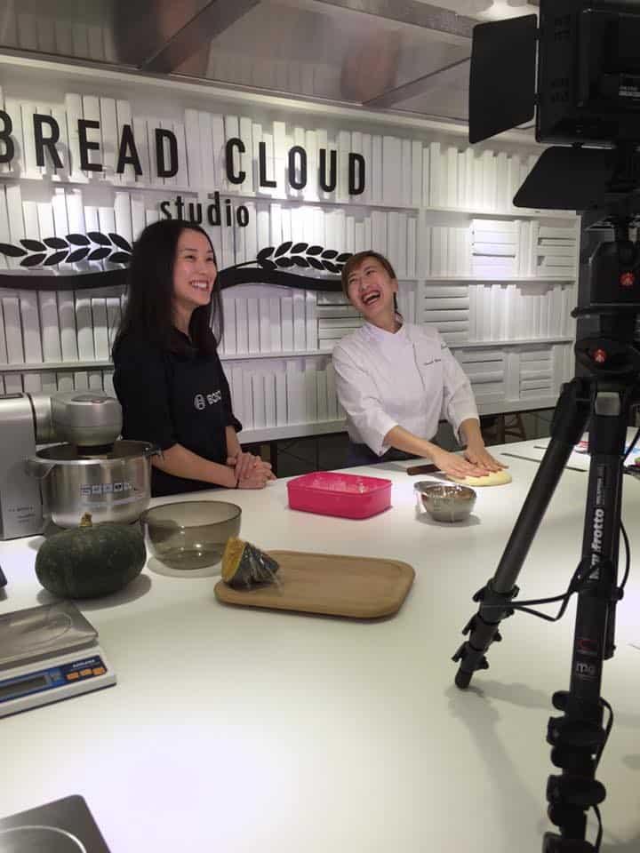 Bread-Cloud-Studio-Bosch-facebook-live-pumpkin-roll-2