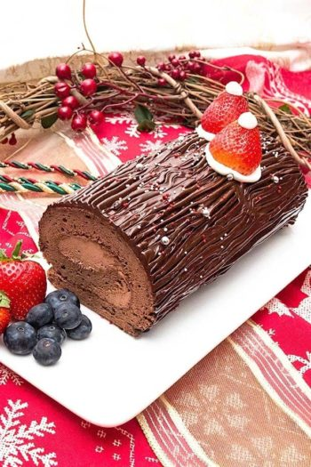 Bread-Cloud-Studio-Eva-Chan-Christmas-Chocolate-Roll-Cake-Noel-1-web2