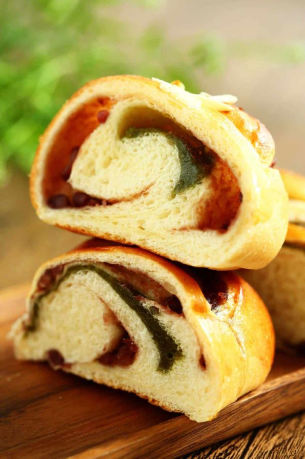 Bread-Cloud-Studio-Red-bean-matcha-mochi-roll-DI0A6952-GDs