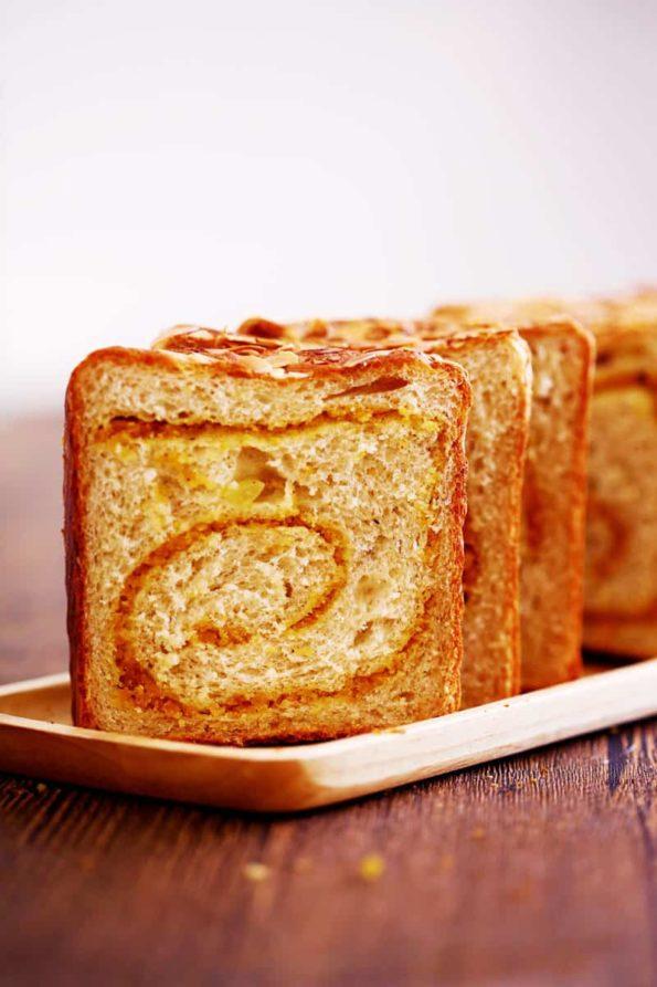 Bread-Cloud-Studio-Sarah-Yam-Apple-Hazelnut-Toast-2019